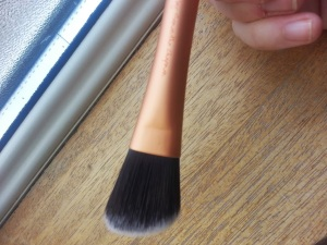 Real Techiques Foundation Brush Review.